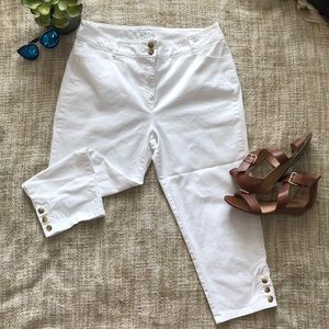 Charter club white capris with tortoise buttons